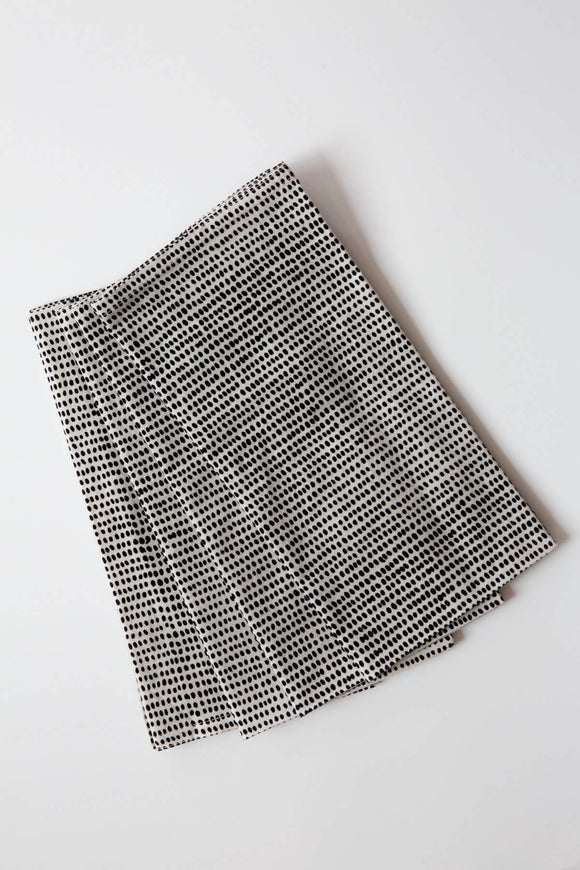 Tiny Dot Black Napkin Set