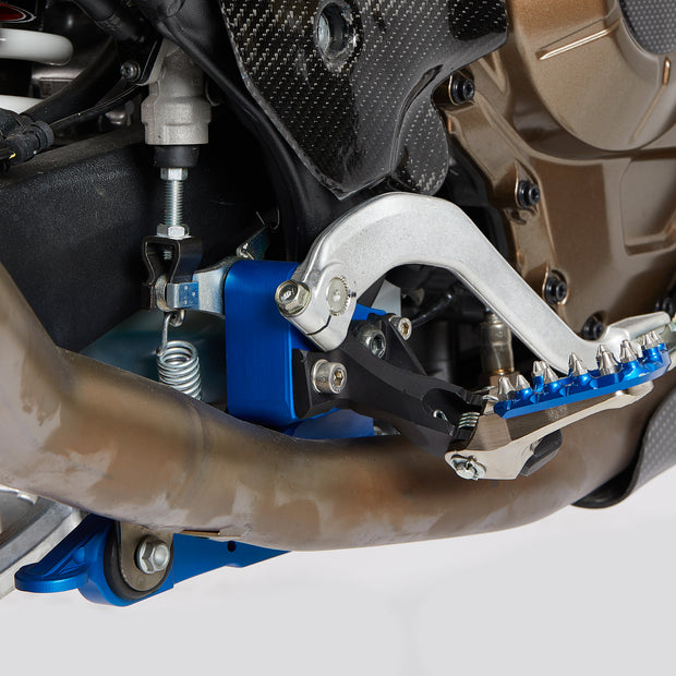 NEW CNC RIGHT FOOTPEG BRACKET FOR AFRICA TWIN