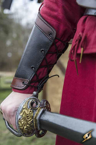 Bracers Warrior Black/Red Small