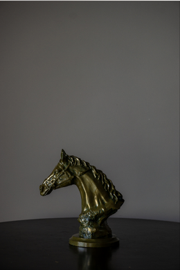. We bring you our 'Horse Head' Murals. This stand alone piece is  made from High Quality Resin with Beautifully Carved details, Making it a must have.