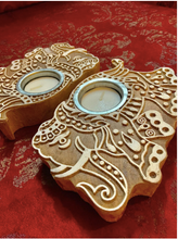 Load image into Gallery viewer,  Imprint block Tea Light holders are Made of 100% sheesham Wood & are Available as a set of 2. these come in floral & elephant patterns.