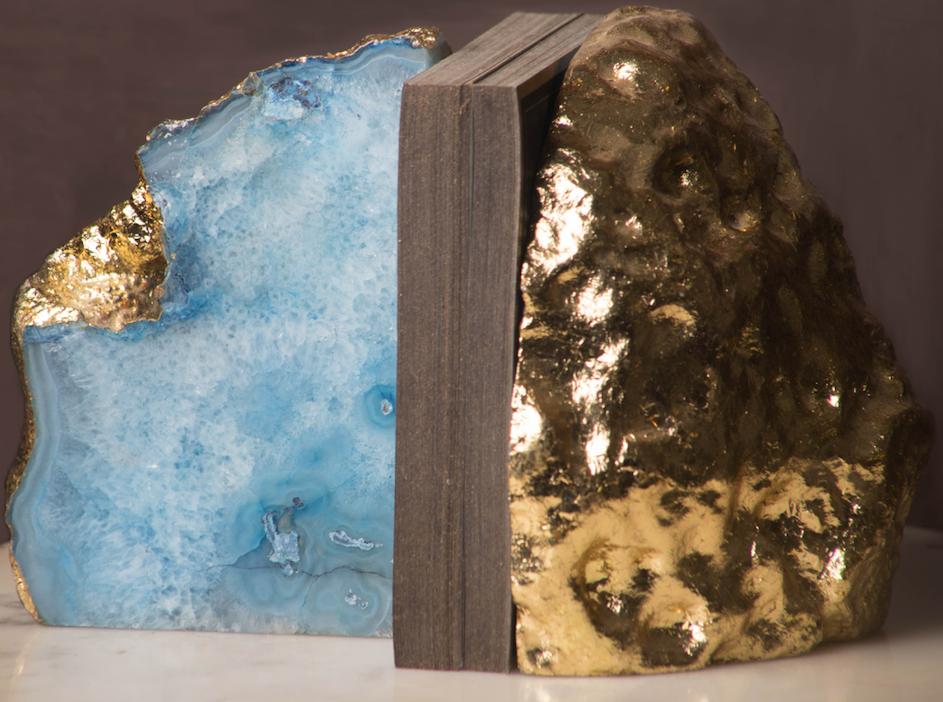 An Ocean inspired pair of bookends, made with agate marble to accentuate the already amazing feel of books.