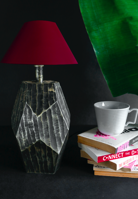 A lamp inspired by abstract art, our lamp is a perfect fit for homes with modern interiors. The lamp shade in the pic above is red