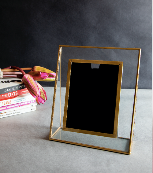 Modish Photo Frame
