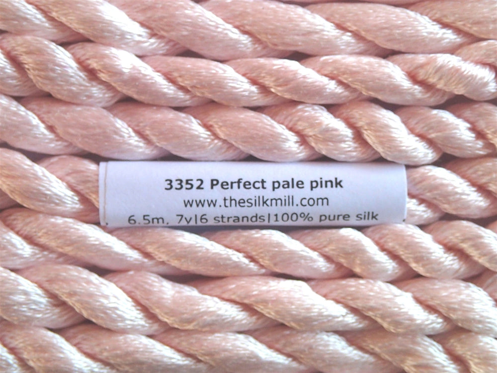 3352 Perfect Pale Pink