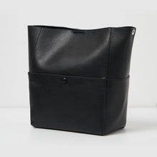 Lioness Tote Bag - Black