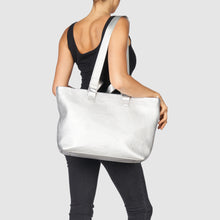 Dragonfly Tote by Urban Originals - Silver