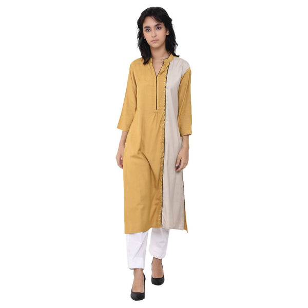 Vritta Women's Embroidred Panelled Kurta $ VR0014