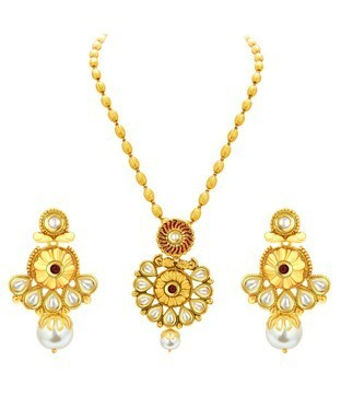 Sukkhi Glistening Gold Plated Kundan Necklace Set For Women
