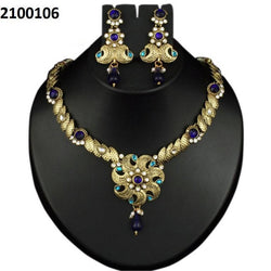 Tanishka Fashions Gold Plated Blue Austrian Stone Necklace Set