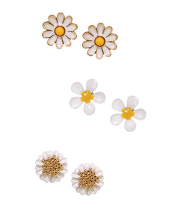BAUBLE BURST Darling Daisy Studs