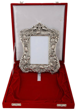 Silver Plated Photo Frame with Beautiful Velvet Box Packing $ GSI-141