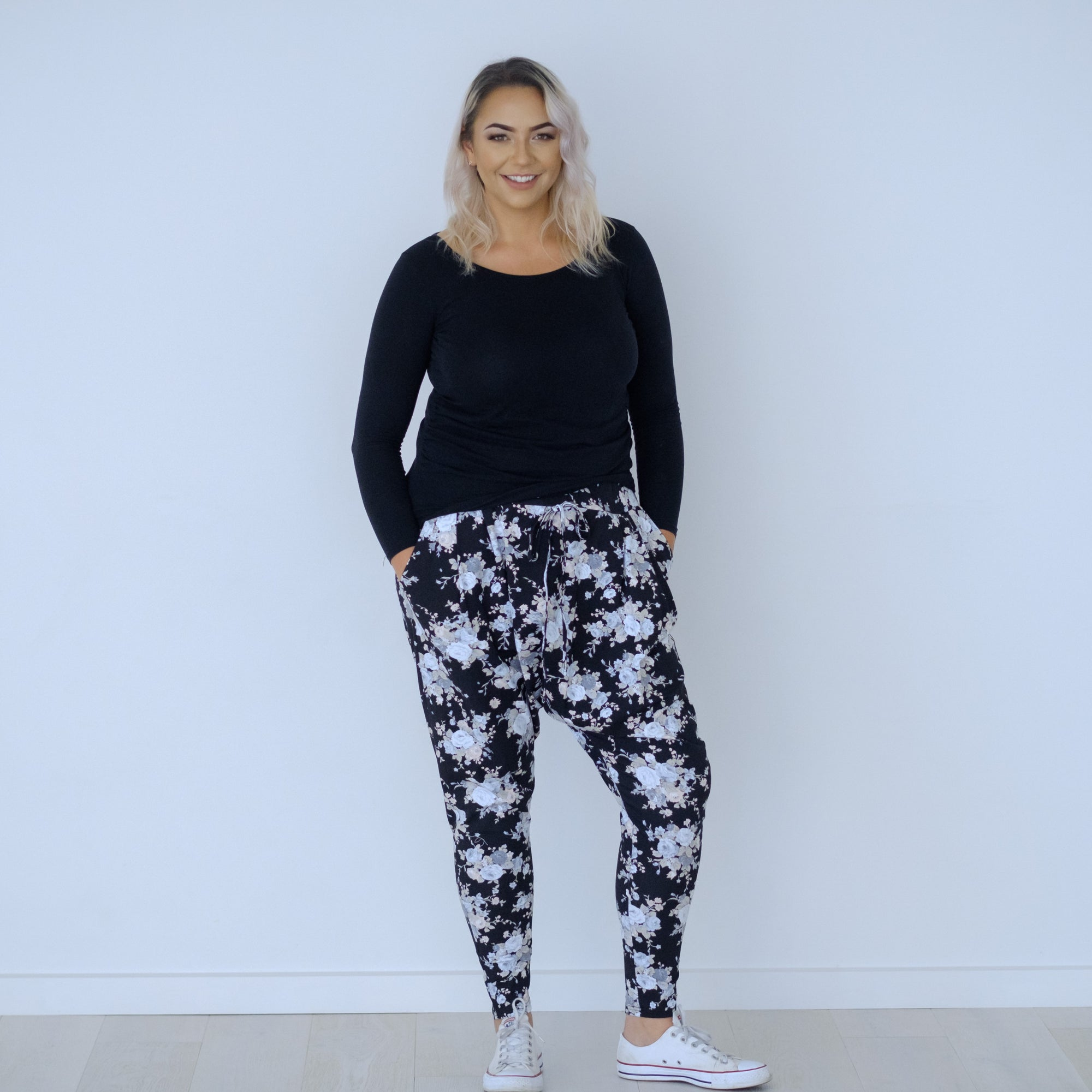 Tuesday Pants! | Black Floral