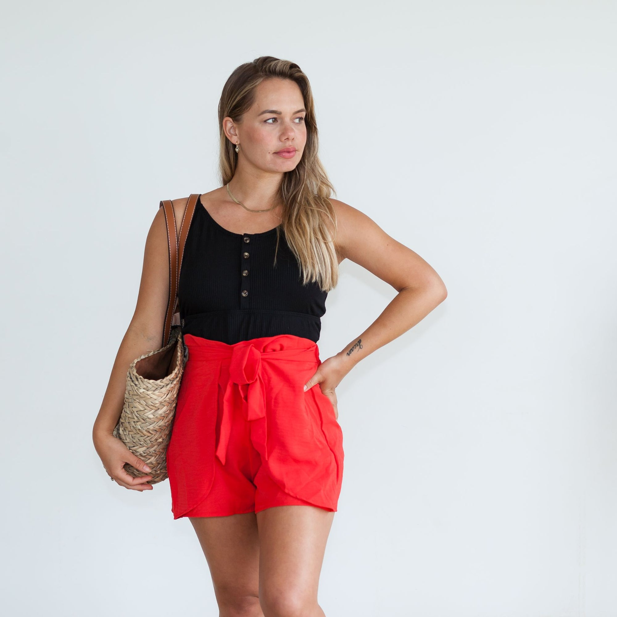 Jessie Tie Shorts | Coral Red