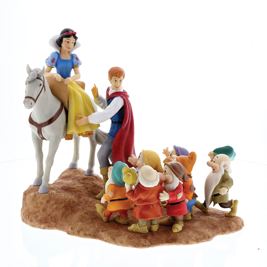 Enesco - Disney Enchanting Collection - Resin Figure Snow White, Prince & The Seven Dwarfs (A Joyful Farewall)