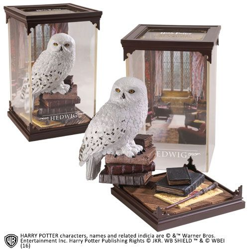 The Noble Collection - Magical Creatures - Harry Potter - Resin Figure Hedwig (01)