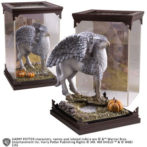 The Noble Collection - Magical Creatures - Harry Potter - Resin Figure Buckbeak (6)
