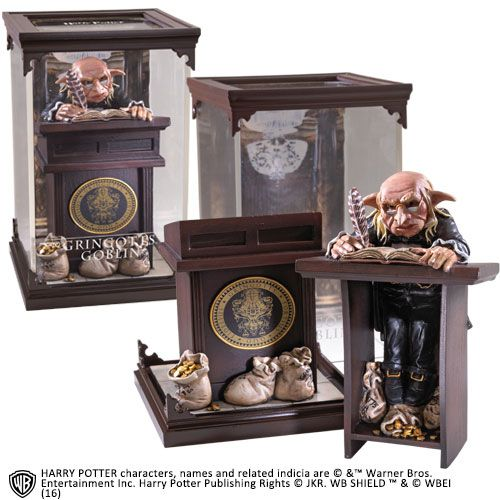 The Noble Collection - Magical Creatures - Harry Potter - Resin Figure Gringotts Goblin (10)