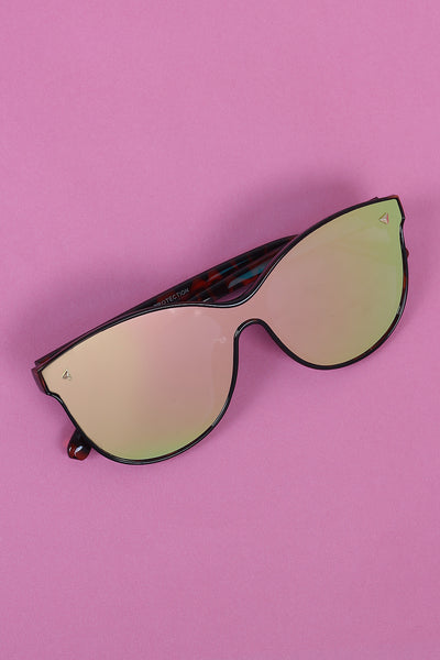 Alluring Mirrored Lenses Sunglasses