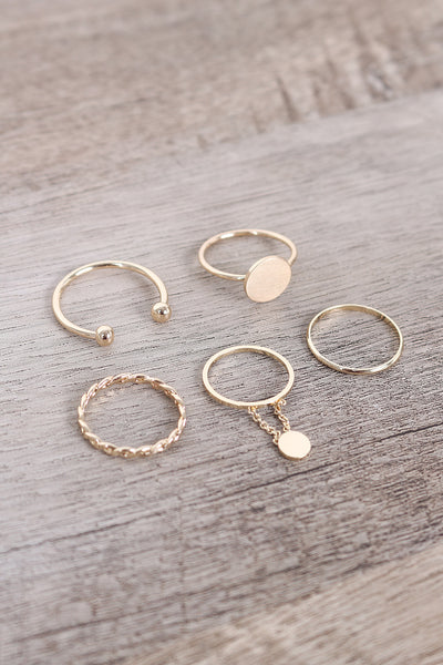 Delicate Circle Charm Ring Set