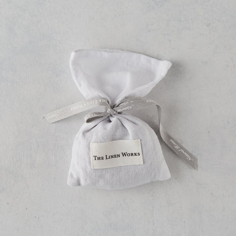 WHITE LINEN LAVENDER BAG