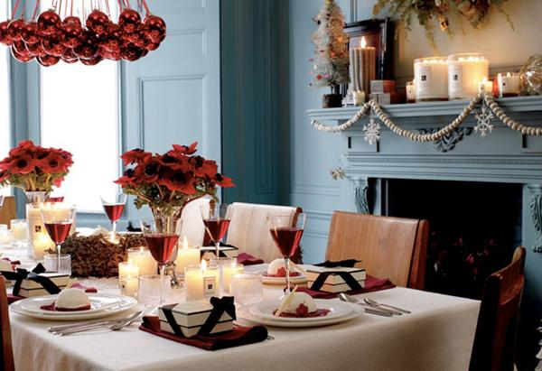 Christmas dining room with red flowers Terrys Fabricss Blog