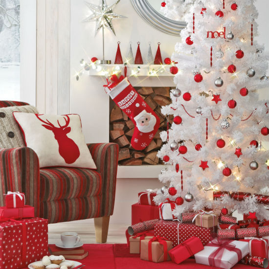 Red and white christmas decorations Terrys Fabricss Blog