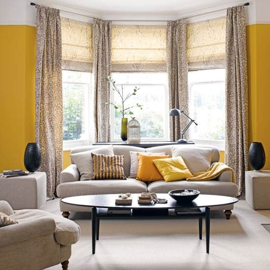traditional living room ideas highlighting a bay window