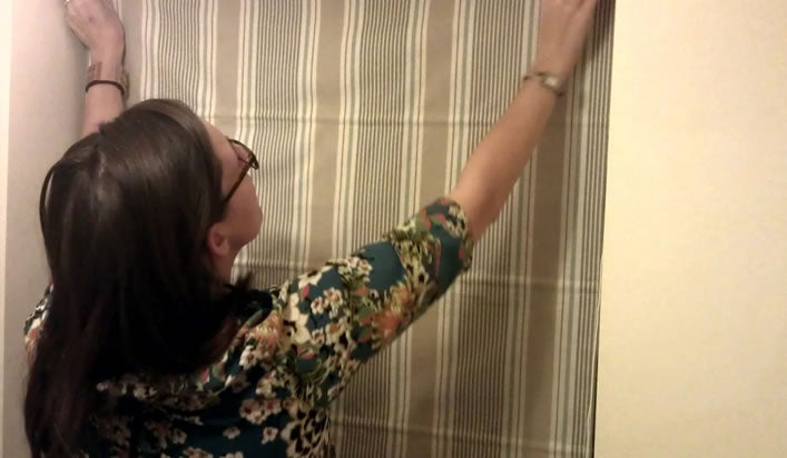 Measuring and fitting the Roman blinds