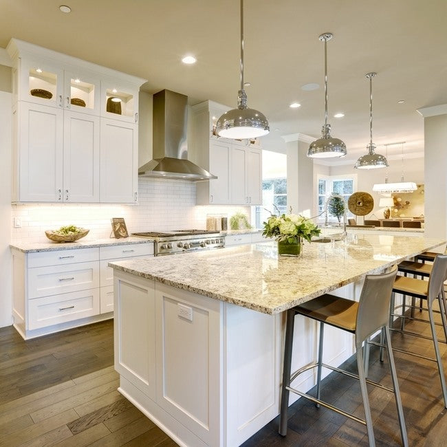 Touches of cream compliment the white units attractively.