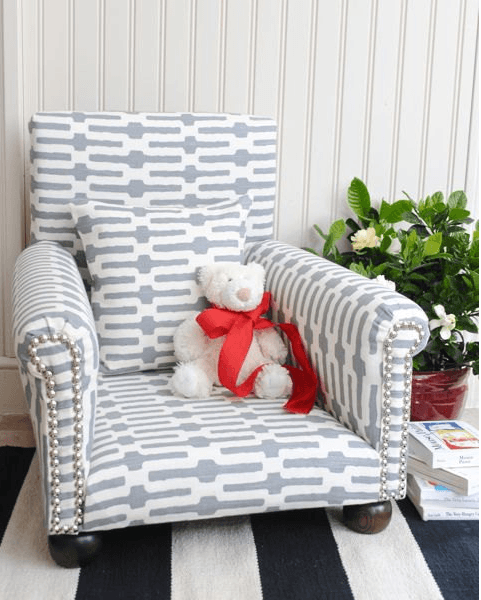 Grey and white geometric kids armchair