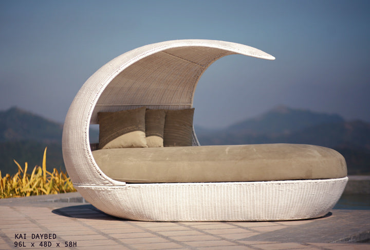 Cosy pod outdoor day bed with curved roof