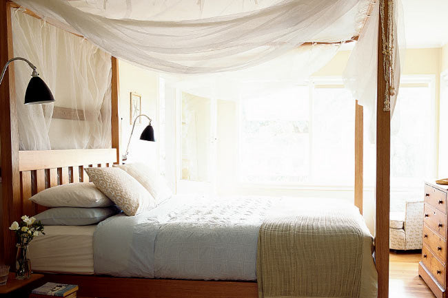 DIY Four Post Bed Bedroom Decorating Ideas