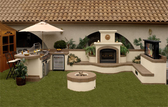 Garden barbeque pit and outdoor kitchen