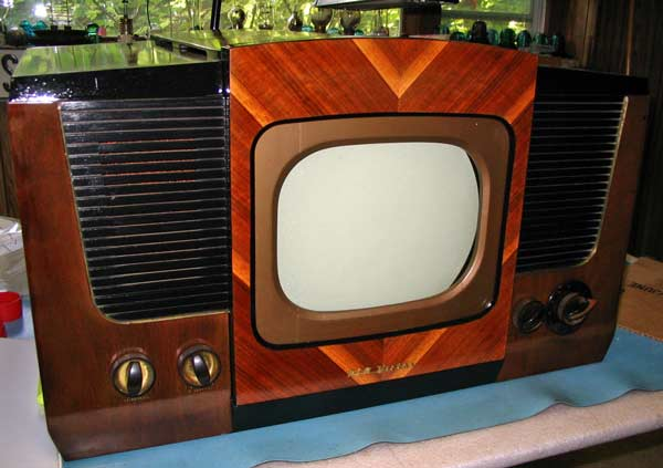 Art-Decor Style Early Wooden Television