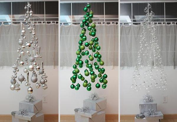 Bauble suspended decorations, making the shape of a Christmas tree