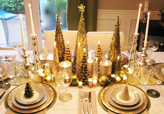 Gold Christmas decorations on a dining table