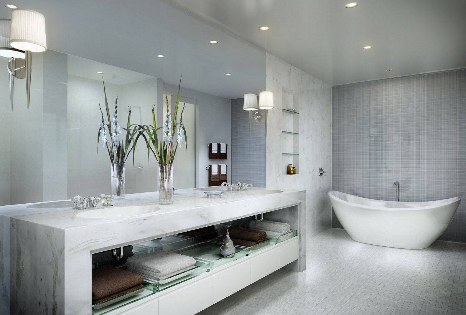 Marble tiled bathroom in white and grey, very luxurious