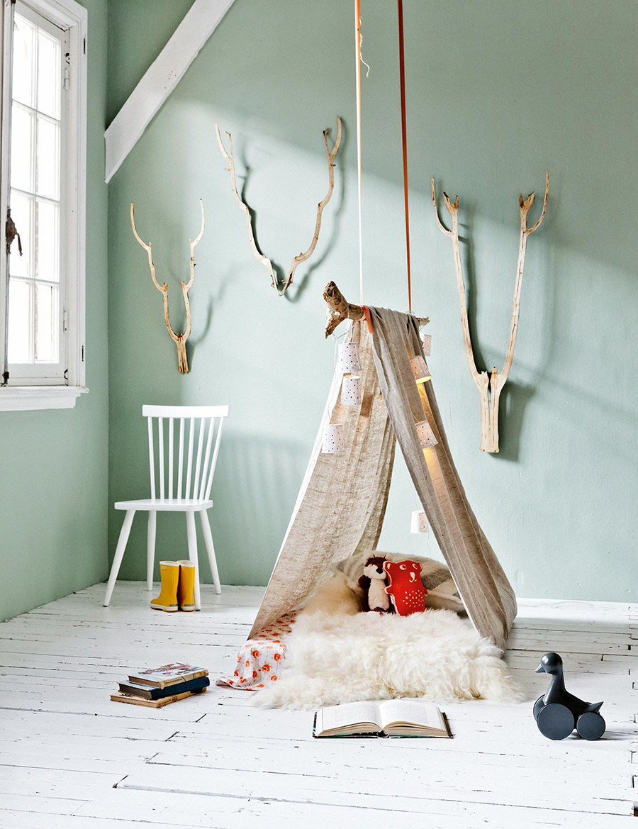 Cool Camping Reading Nook For Kids