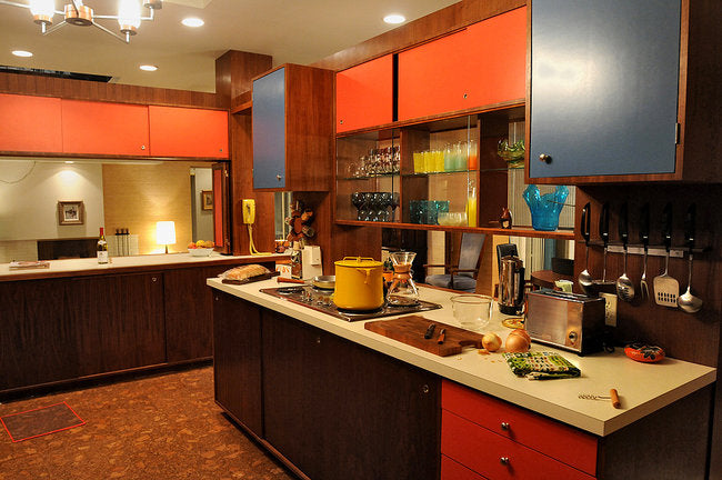 Sizties style kitchen in wood and orange