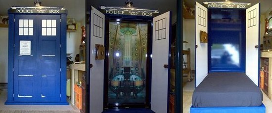 Doctor Who fold out Tardis bed