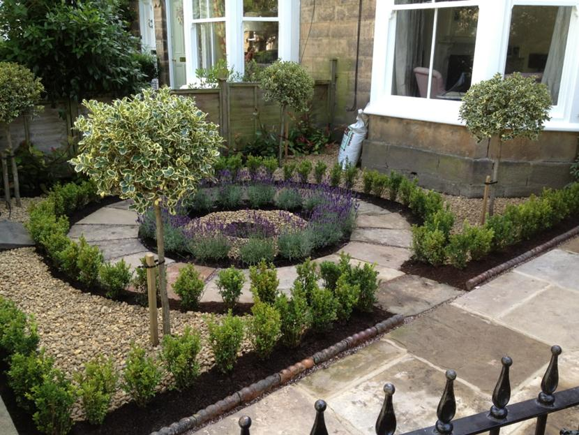 Lovely round patio design, combined with concentric circle plant layout