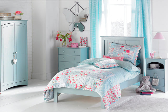 Floral Blues, Pinks And Whites In Fresh And Bright Bedroom