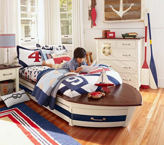 Speedboat wooden bed, with nautical designs and accessories in blue, red and white