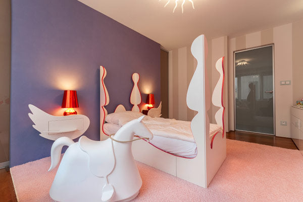 Bedroom Idea For Girls With A Touch Of Pink