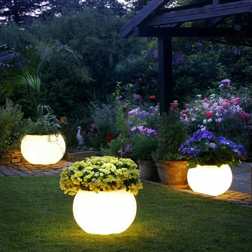 Glowing garden plant pot lighting