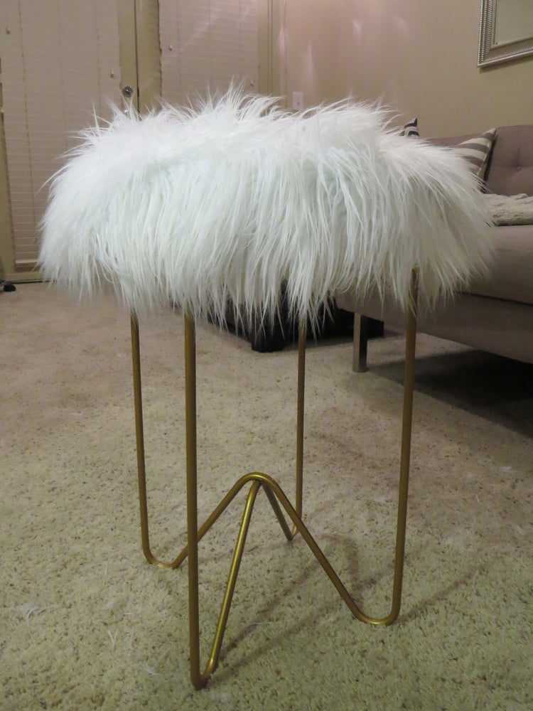 Brass table stand with a fluffy top