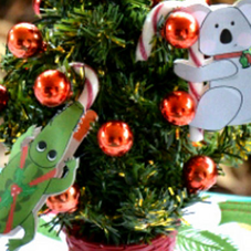 Small Christmas tree with Alligator and Koala decoration