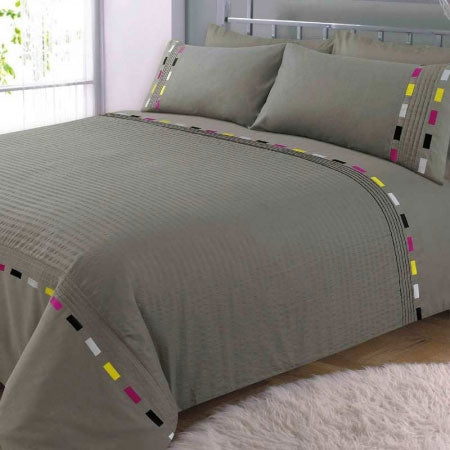 Grey double bedding with a dashed line trim in black, grey, yellow and purple
