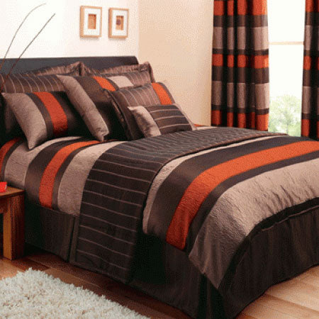 Striped double bedding in dark brown, light brown and orange